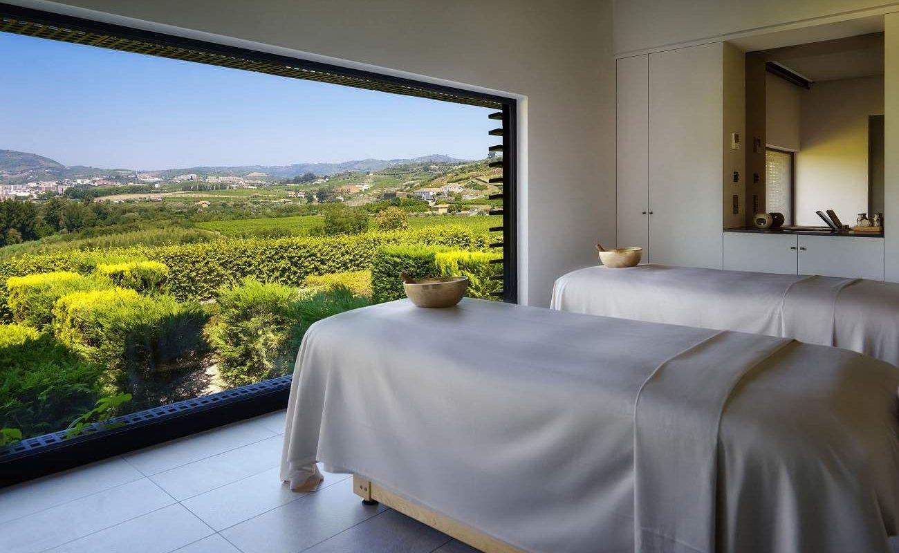Spa mit Blick auf das Douro Valley