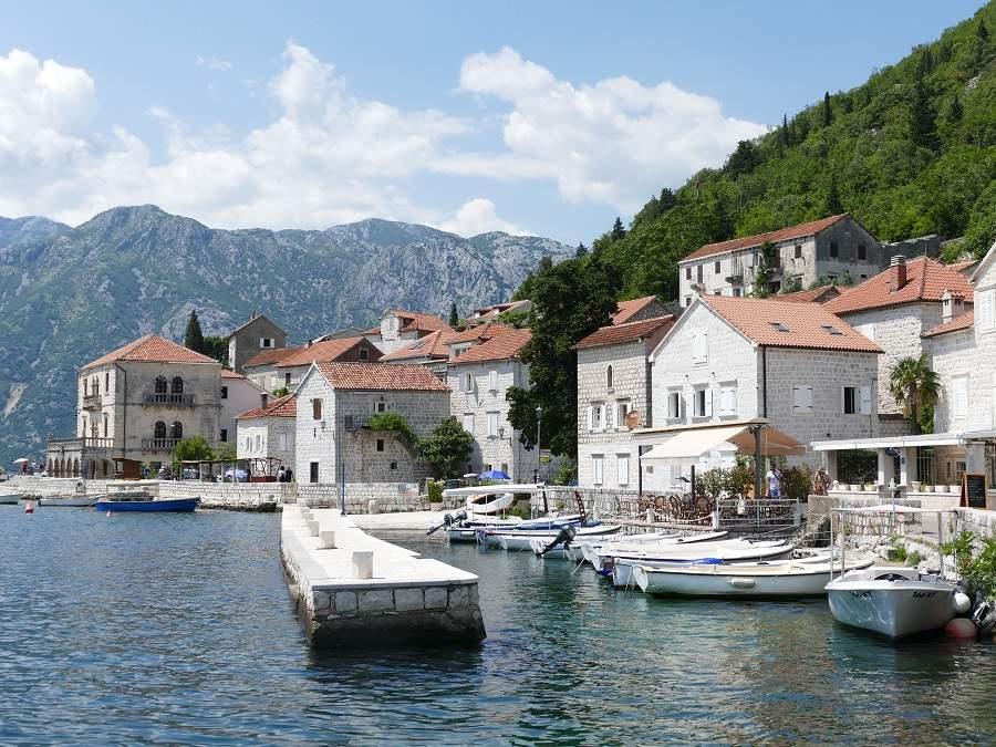 Hafen von Perast