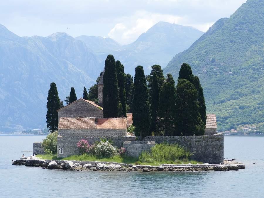 Sveti Dorde in der Bucht von Kotor