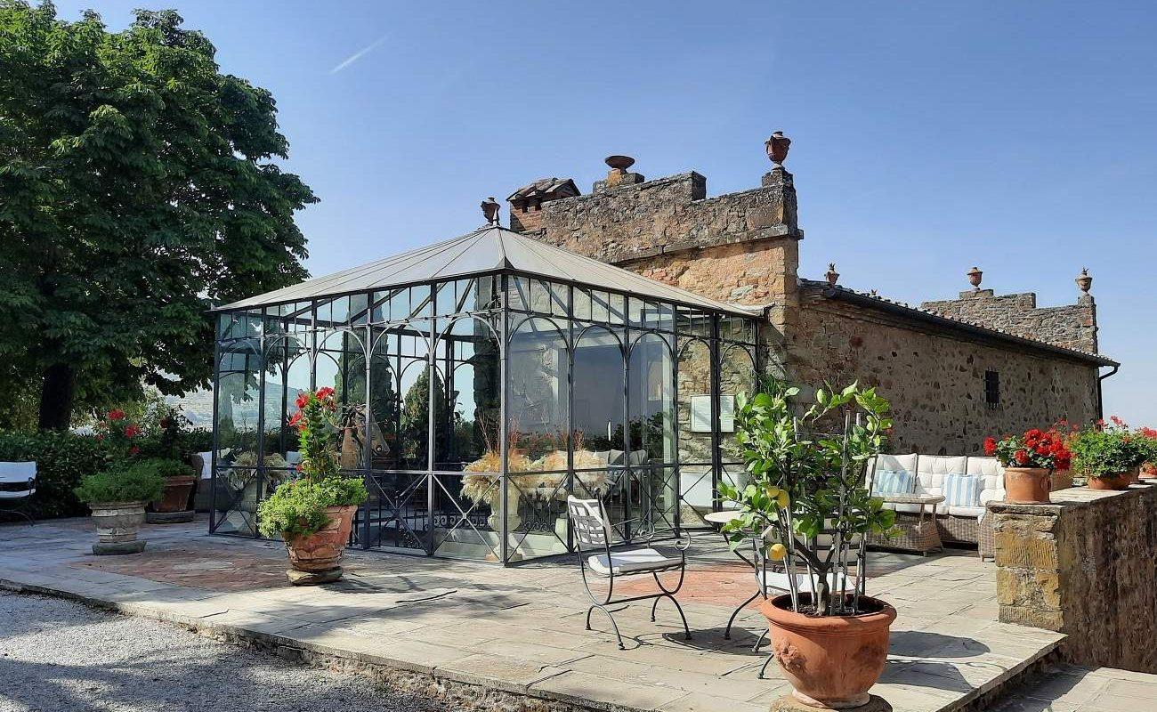 Eingang des Restaurants im Il Falconiere