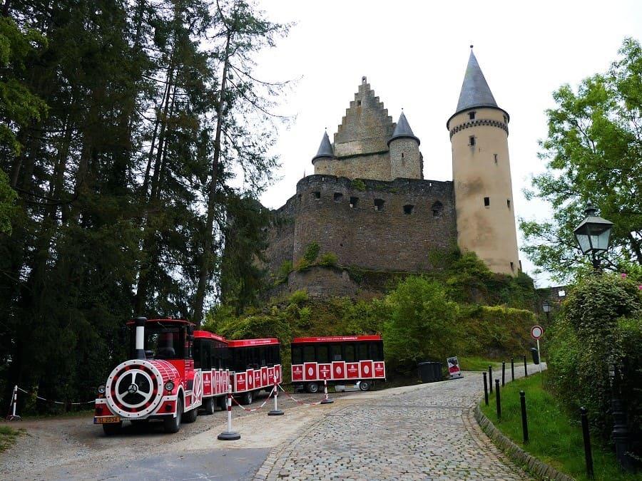 Schloss Vianden in den Ardennen von Luxemburg